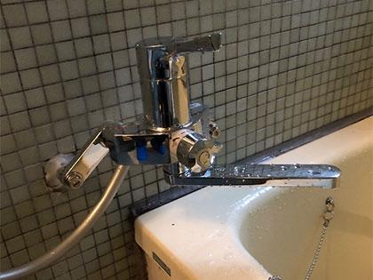 生野区でシャワー水栓金具取り替え