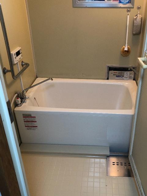 羽曳野市で団地風呂浴槽セット交換